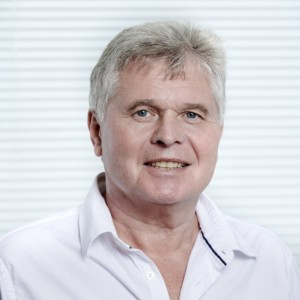 Dr. Helmut Scharf Zahnarzt - spezialisiert auf Zahnersatz und Parodontologie